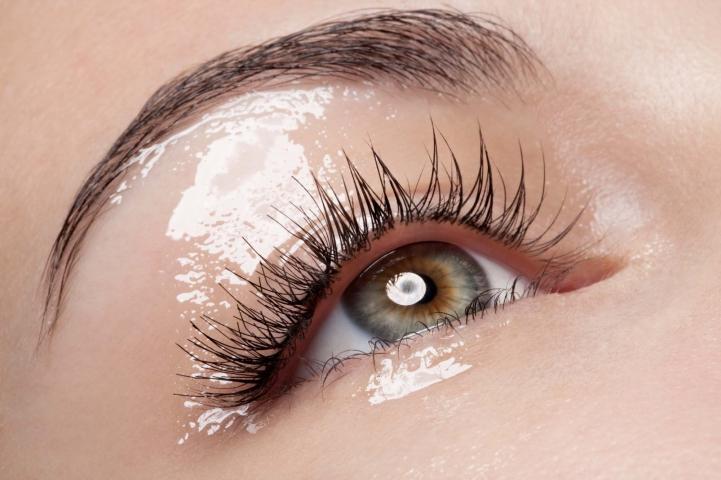 Hair, Nail, Make-up und Fashion styling portfolio / fabienne-pauli - glossy-eye-closeup---model-carmen-fotograf-sandro-b--bler-ID6-0.jpg?v=1585682875