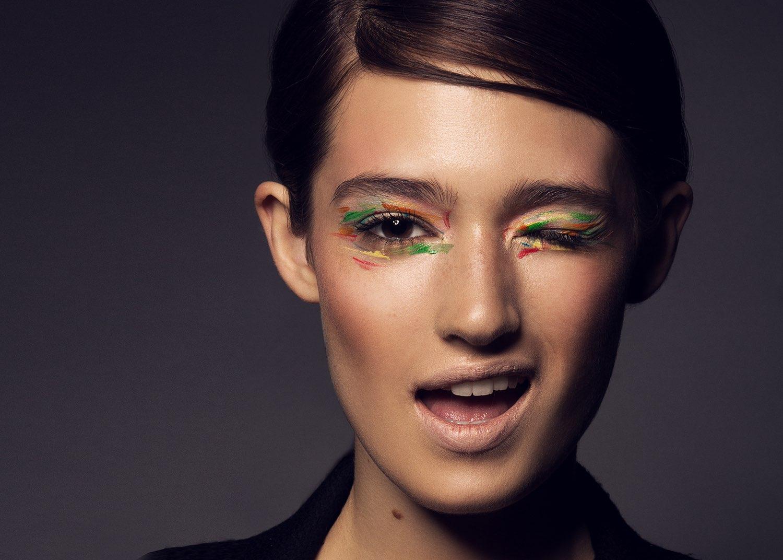 Hair, Nail, Make-up und Fashion styling portfolio / melanie-volkart - hair--makeup---nails-farbiges-augen-makeup-ID240-1.jpeg?v=1586185542