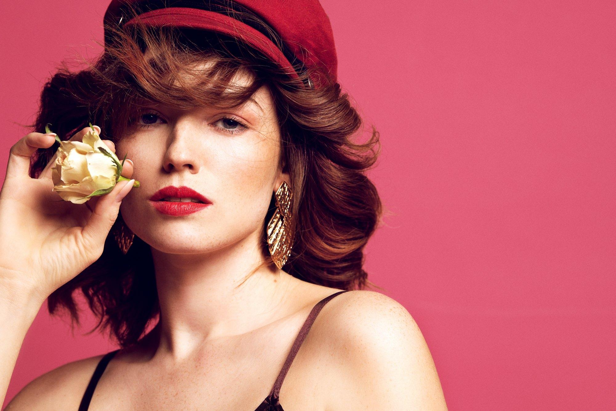 Hair, Nail, Make-up und Fashion styling portfolio / ilknur-gelme- - rose---pinker-hintergrund-ID442-13.jpeg?v=1585836730
