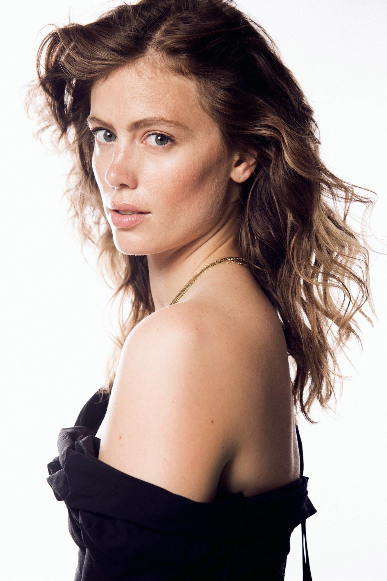 Hair, Nail, Make-up und Fashion styling portfolio / laura-moser - testshooting-ellin-portfolio--ID678-2.jpeg?v=1597754140